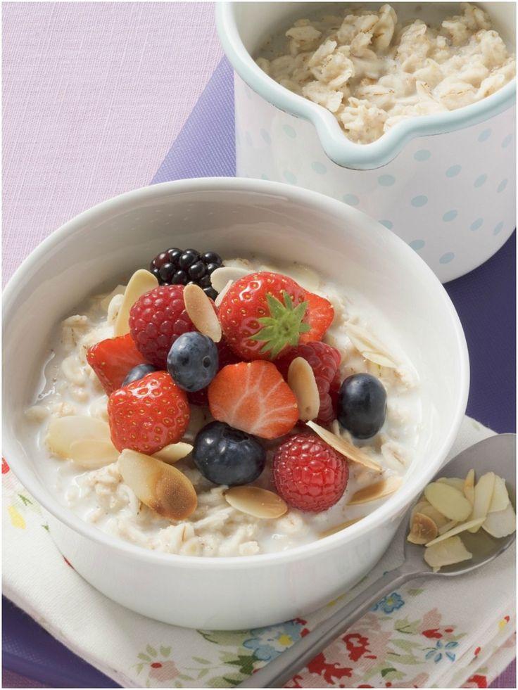 Porridge mit Obst   Zeit: 20 Min.    http://eatsmarter.de/rezepte/haferbrei-mit-obst-0