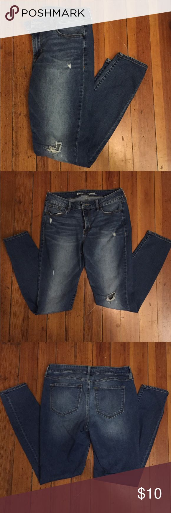 Old Navy Rockstar jeans! Great condition jeans! Old Navy Rockstar style skinny jeans, mid rise, medium wash, super comfortable! The last pic shows the color best.  •Bundle up and save! 🛍 •Reasonable offers are welcomed! 💲 •All items from a smoke-free home. 🚭 •More pictures available upon request! 📸 •Thanks for looking! ☮💙☺️ Old Navy Jeans Skinny