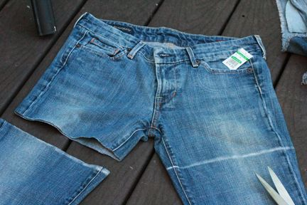 How to create the perfect pair - DIY Cutoff Shorts | Mommysavers.com #DIY