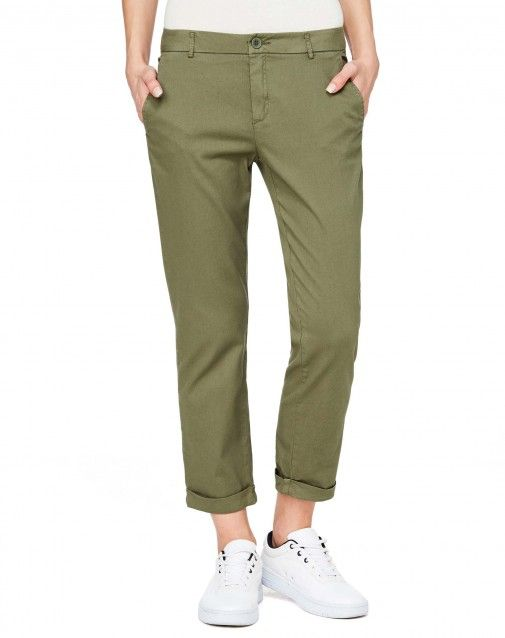 Shop Chino pants Dark Green for Pants at the official United Colors of Benetton online shop.