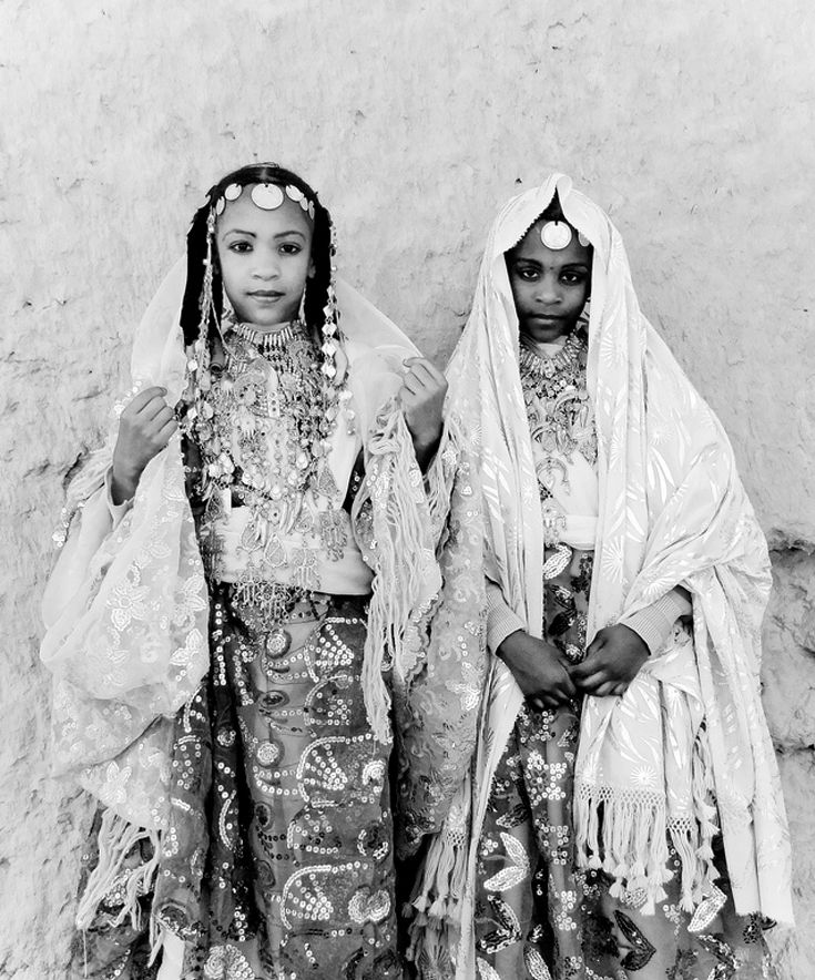 Africa | Tuareg girls.  Libya | ©Shg B, via flickr