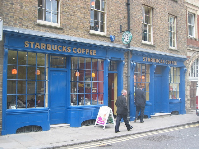 Coveting coffee in Covent Garden, London Starbucks