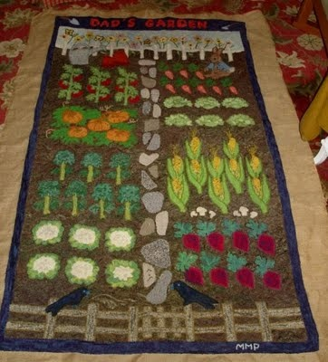 hooked rug....how cute is this!