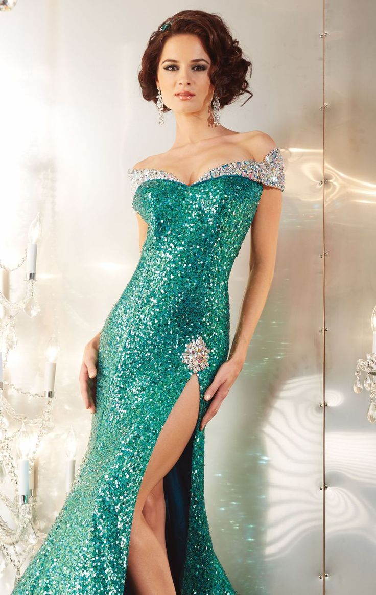 19 best ° PROM GOWNS ~ GLITTERYS ° images on Pinterest | Quince ...