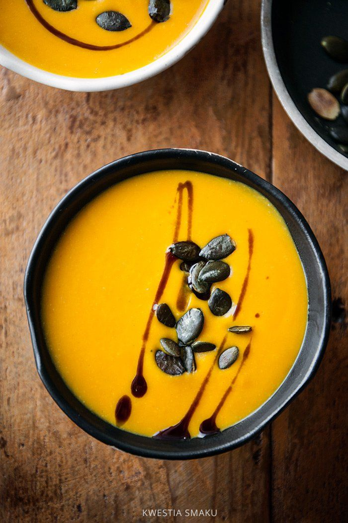 Zupa dyniowa z pestkami dyni