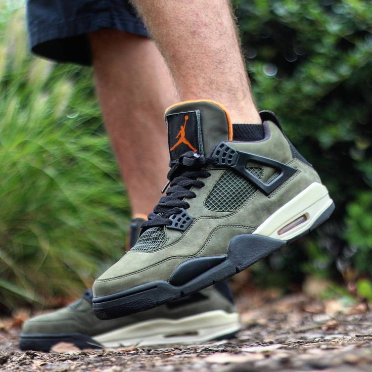 "Air Jordan 4 ""Undefeated"""