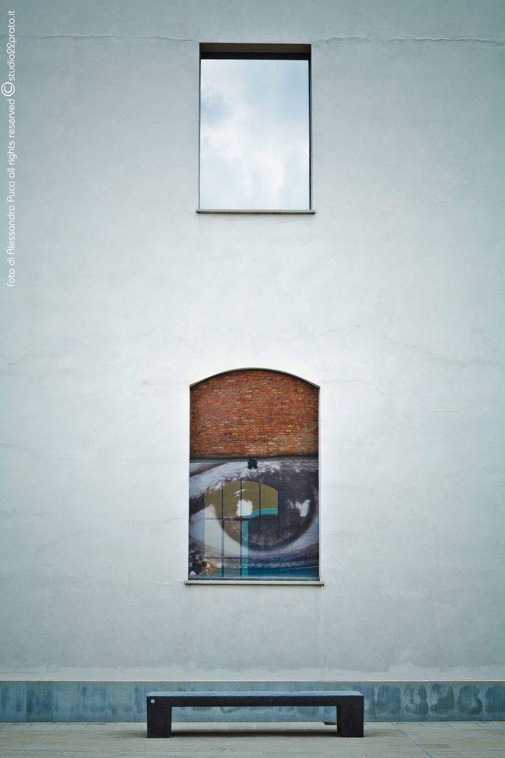 WALL' HAPPINES - BIBLIOTECA