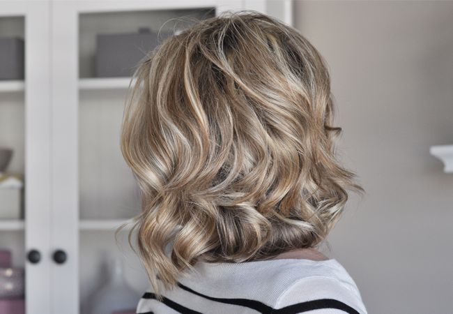 Tutorial on how to softly curl short to mid-length hair.  This is making it even harder for me not to cut my hair!