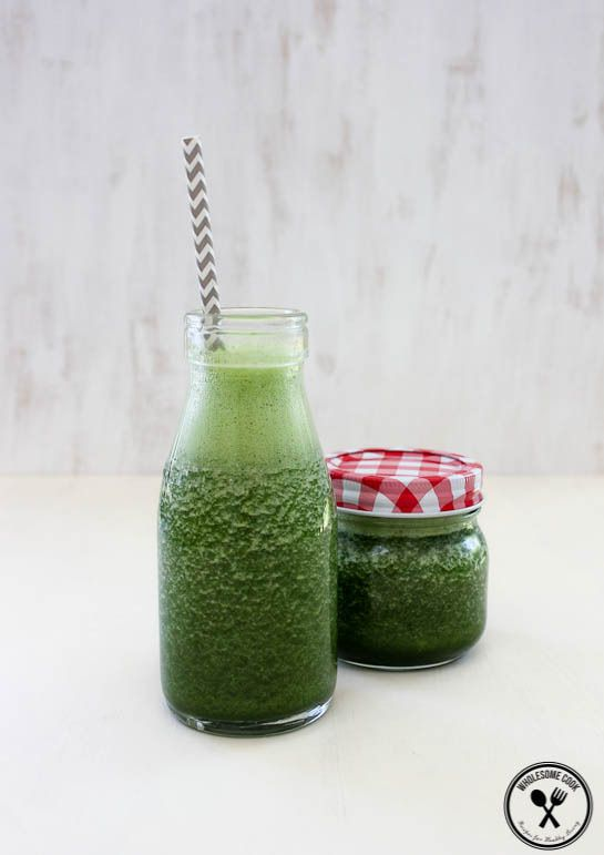 Anti-inflammatory Green Smoothie Recipe - http://wholesome-cook.com/2013/11/19/40-quick-and-healthy-smoothies-ebook-pre-sale/