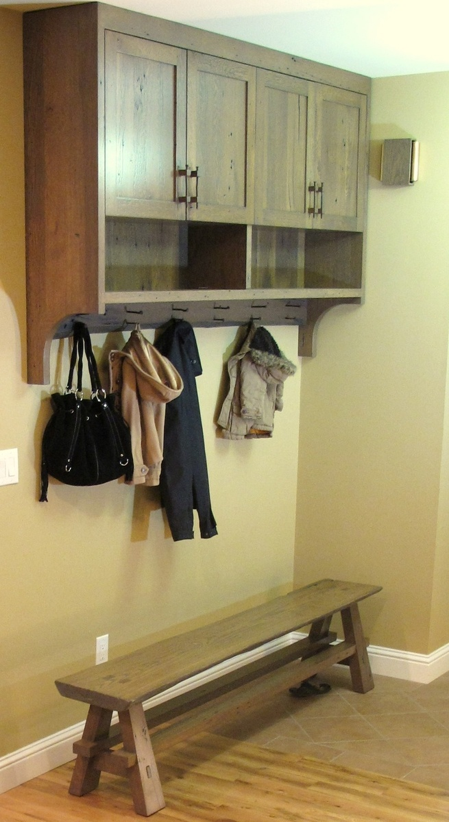 Entry cabinet / coat rack
