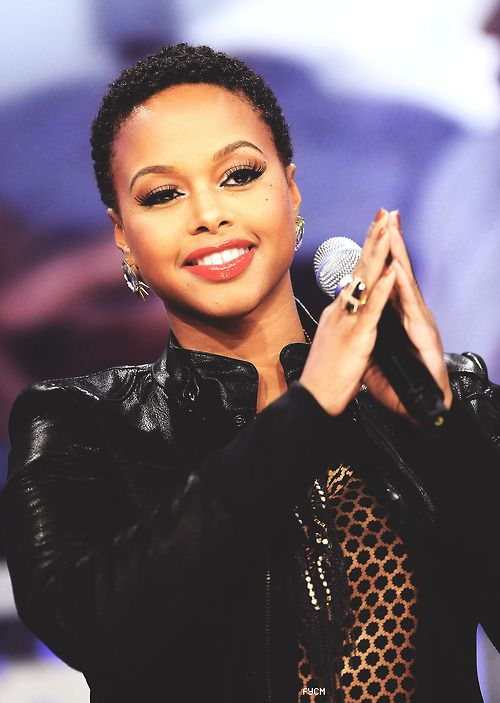 She and Elle Varner could almost be twins here