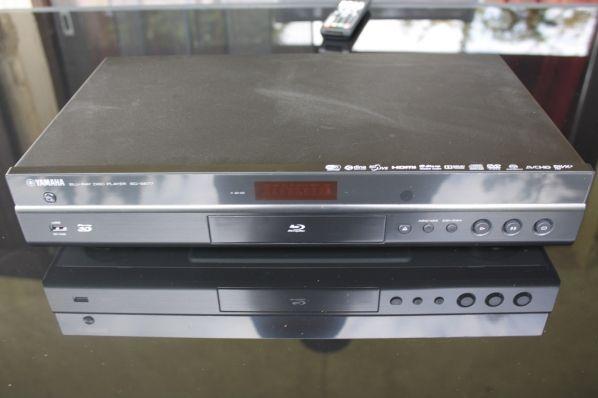 Lecteur Blu-ray 3D universel Yamaha BD-S677 en test sur AVHD