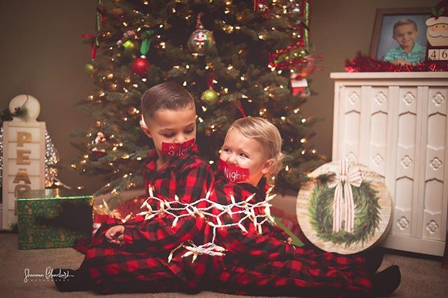 Mackenzie Sizemore On Instagram We Had So Much Fun With Mrs Shannan Taking These Christmas Pictures I Can T Wa Christmas Humor Christmas Pictures Kids Night