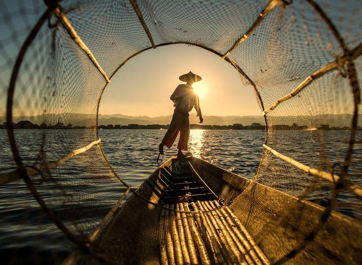 fisherman @ inle lake by hamni juni