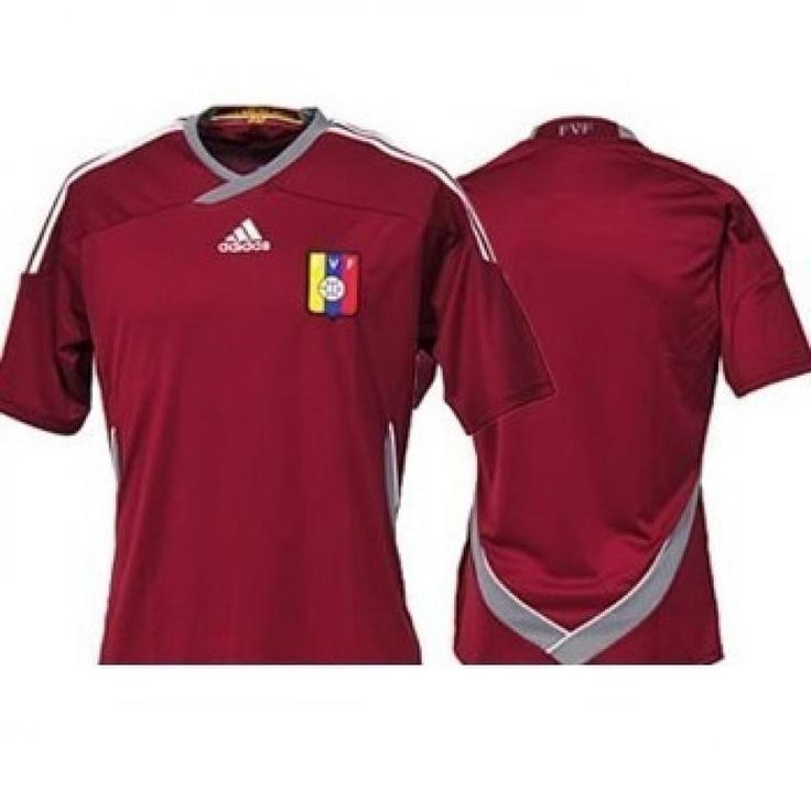 ¡Completa tu uniforme y sé un verdadero fanático! ¿Ya tienes tu camisa? Búscala aquí >> http://www.linio.com.ve/Adidas-Camiseta-Oficial-de-la-Vinotinto-para-Caballeros-FVF-H--JSY-71025.html