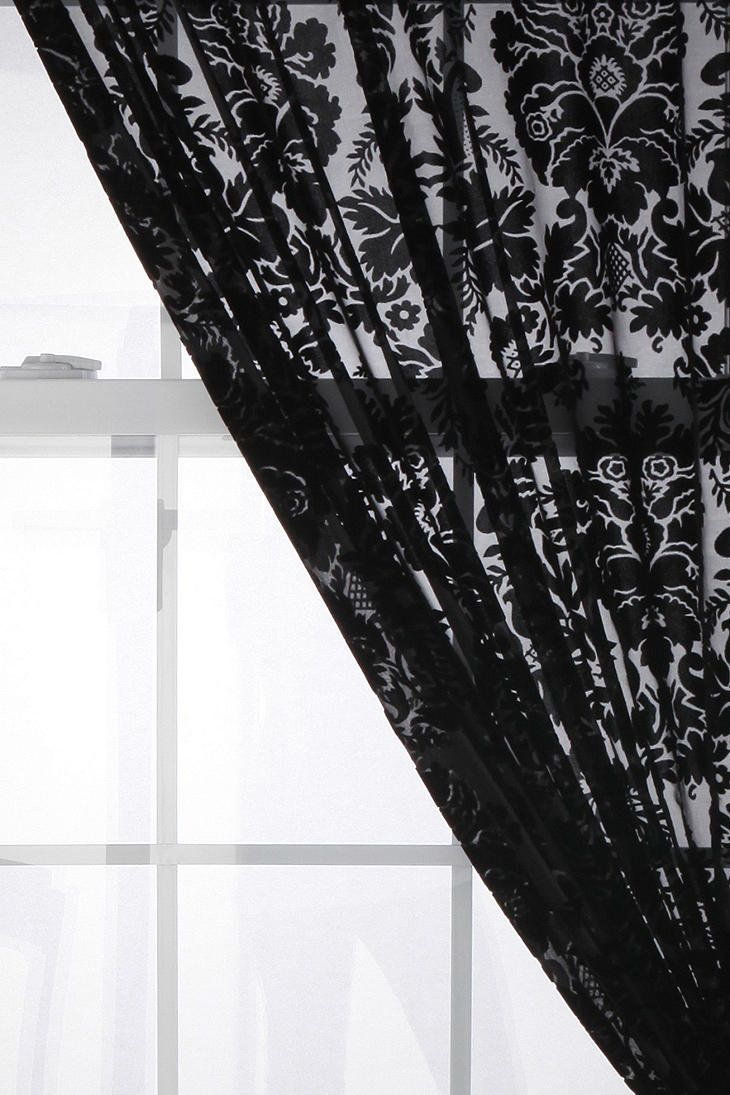 17 best ideas about damask curtains on pinterest damask bedroom black curtains bedroom and. Black Bedroom Furniture Sets. Home Design Ideas