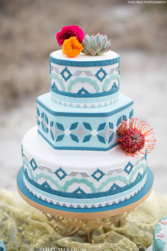 10 Too Gorgeous to Eat Wedding Cakes! | Rustic Folk Weddings