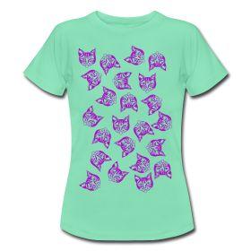 'Magenta Mollys' - Women's T-Shirt produced by Spreadshirt. #cats #cool #magenta #mintgreen #fashion #green #tshirts #girlsfashion #mollycatfinland #cute #coolcats #katz #katzen #caturday #spreadshirt