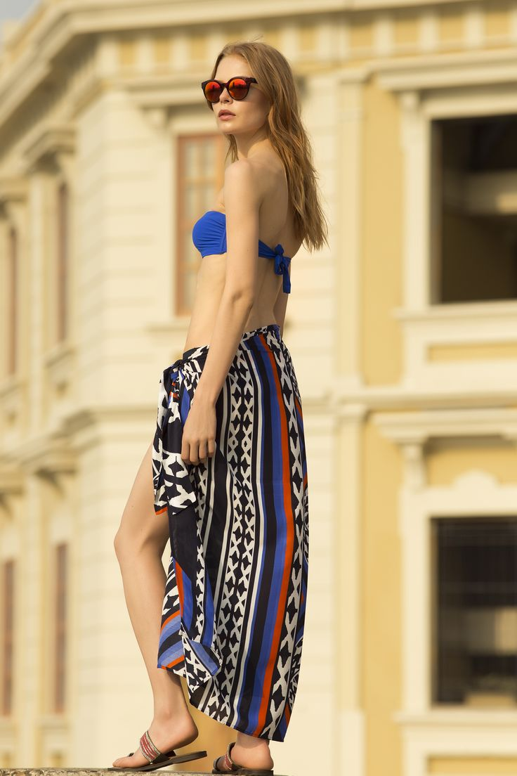Ethnic Printed Beach Wrap / Shop Online at www.touche.com.co / Touche Swimwear Collection / Sofie Theobald