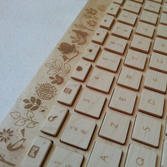 O grupo de design Orée, trabalhando com bambu e madeira de reflorestamento, criou um teclado wireless com Bluetooth 3.0
