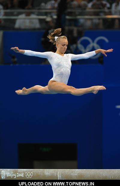Nastia splits wow!