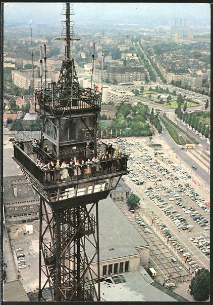 AK Berlin, Funkturm mit Aussichtsplattform, Blick auf Hammarskjöldplatz, Theodor-Heuss-Platz, Kraftwerk Ernst Reuter