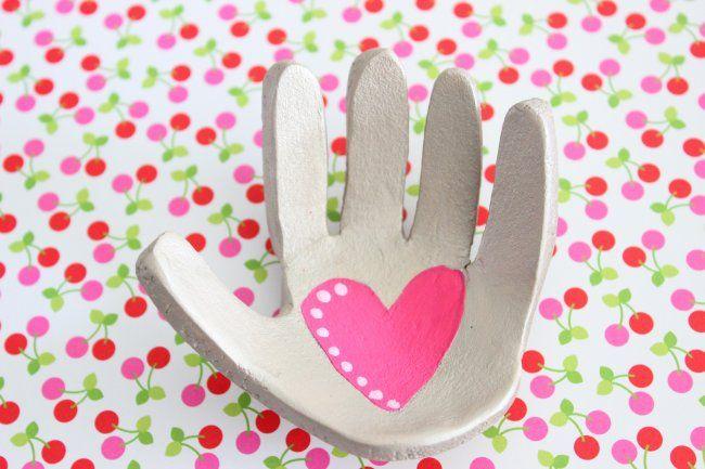 La mano de los niños en arcilla | Blog de BabyCenter