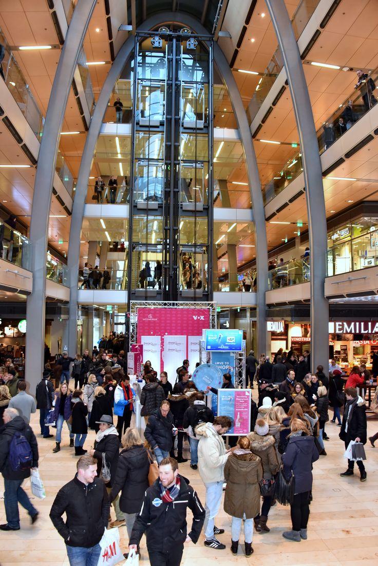 Unsere LOVE TO SHOP-Aktion im Center! :) Bis zum 23.01. könnt ihr noch vorbeikommen, tolle Sofortgewinne absahnen, euch auf dem Shopping Queen-Laufsteg fotografieren und an unserem Gewinnspiel auf Facebook teilnehmen! ;) Kommt vorbei! #EuropaPassage #EuropaPassageHamburg #LoveToShop #CenterApp #ShoppingApp #Angebote #Rabatte #ShoppingQueen
