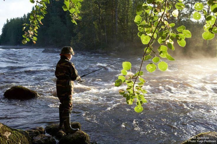Rapids fishing. ©Visit Jyväskylä Photo: Keijo Penttinen.