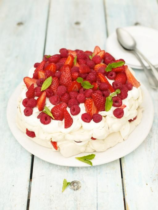 summer berry pavlova | Jamie Oliver | Food | Jamie Oliver (UK)