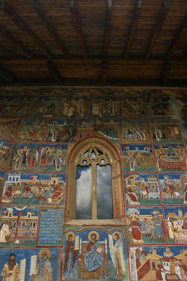 Manastirea Voronet - ChiqueRomania