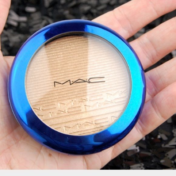 Oh Darling This limited Edition Mineralized powder you will not find at any store location. Sold out everywhere! Very similar to Whisper of Guilt . ⭕️ Price Is Firm⭕️ Brand New still in box!!! Never been swatched or used . No trades just sell. MAC Cosmetics Makeup Luminizer