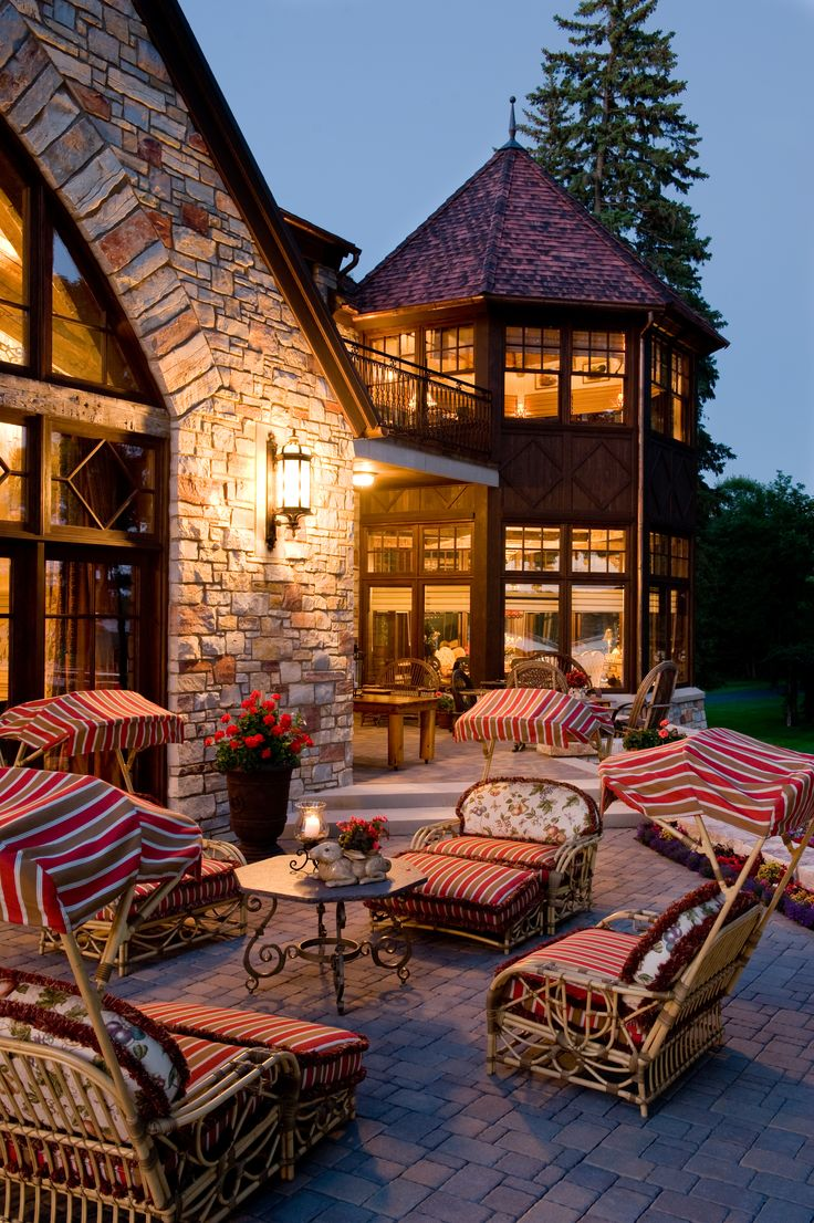 French Chateau - Patio