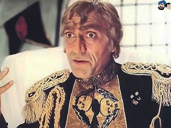 From Mogambo to Dong to Tola Ram to Balwant Rai, he just redefined villiany, evil at it's best, add to it a deep voice, Amrish Puri Sir, always a great.