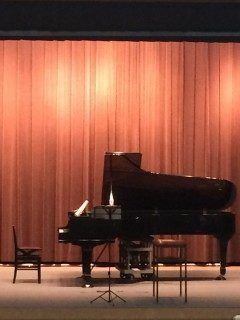 NCB音楽祭  歓喜と喝采  が12月14日木にアクロス福岡で開催される予定です 第九合唱を中心にオペラやミュージカルの中でポピュラーな曲を厳選しての演奏会になります 既に練習は始まっていますが来月からは毎週練習です観客の皆さまに感動していただけるように頑張って練習したいと思います tags[福岡県]