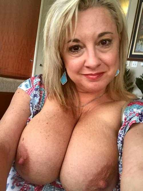 Aysha takia boobs sex