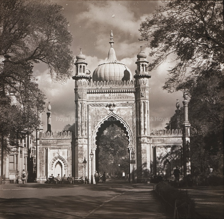 Archive black & white photograph of the entrance to the Royal Pavilion Gardens, Brighton, East Sussex