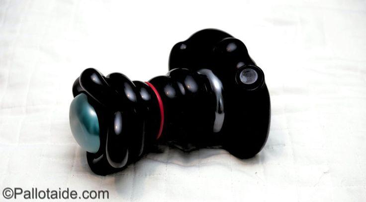 DSLR camera - 100% latex balloons