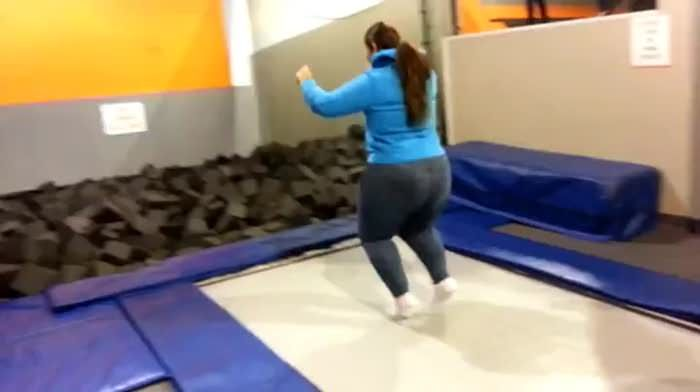 Drowning in foam | Funny gifs fails, Funny video clips ...