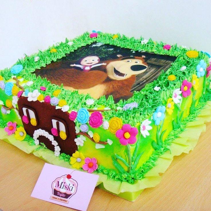 Una bella torta de #merengue de #mashayeloso con aplicación de #papeldearroz. Gracias Vicky por la preferencia de siempre :) #aerógrafo  Sabor: chocolate con manjar y pasas. #miskitrujillo