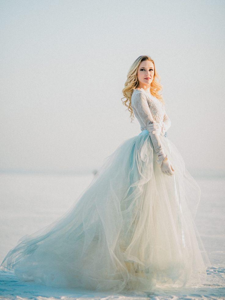 Dress:  Nagy Ágota Collection, Bálint Sára Bridalwear.