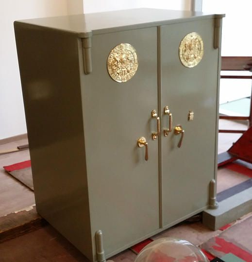Siah's Old-Safe Service - The Safe Mover & Locksmith Singapore | Restoration Milner double door safe 90 - 110 years old (1900 - 1920