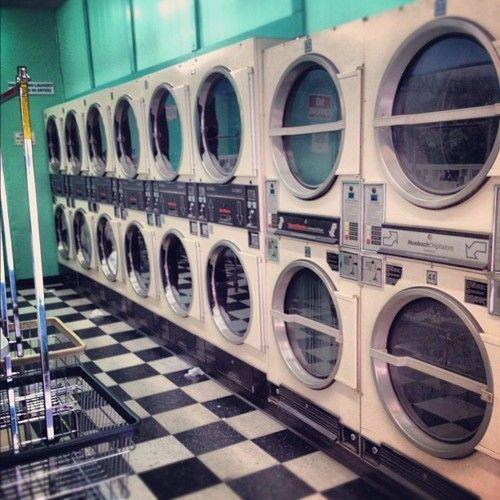 19 besten waschsalon diner bilder auf pinterest urbane fotografie pastell und arquitetura. Black Bedroom Furniture Sets. Home Design Ideas