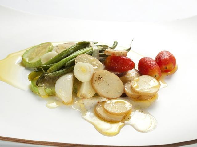"""Verdures d'estiu a la papillota.  Per si us heu excedit una mica durant les vacances, el plat de les tres """"S"""": senzill, saludable i saborós."""