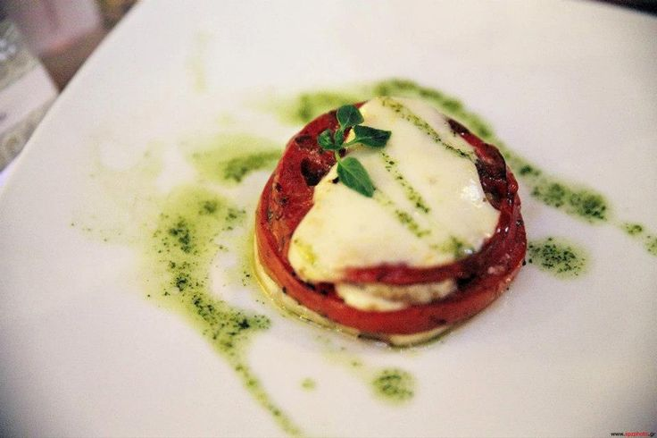 Spicybites catering - italian flag, with tomatoes, greek goat cheese and basil sauce drops.