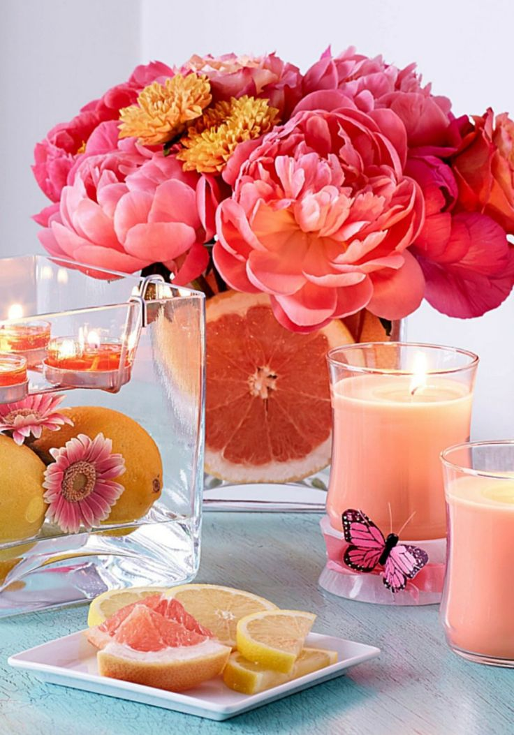Freshly squeezed just for you! Introducing Pink Grapefruit, one of nine new fragrances coming your way Dec. 18 for Winter/ Spring 2016. Contact a #PartyLite Consultant near you to experience this wake-you-up blend of cheerful citrus notes. #pink #candlelight #PartyLitePreview