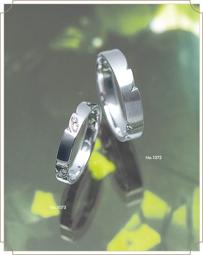 Feuillage フイヤージュ【葉かげ】 ~一歩そしてまた一歩 共に歩む二人の足跡~ 日々成長する木々を見る度、感動をもらう これからも一緒に明日へ行こう。成長する二人の軌跡を刻むリング。
