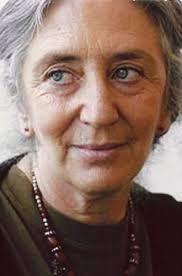 Clara Janés (1940) https://www.escritores.org/biografias/406-clara-janes-nadal  http://cultura.elpais.com/cultura/2015/10/28/babelia/1446046103_712547.html http://www.abc.es/cultura/libros/20150205/abci-clara-janes-encerrarse-convento-201502042005.html http://absysnet.bbtk.ull.es/cgi-bin/abnetopac?TITN=246275