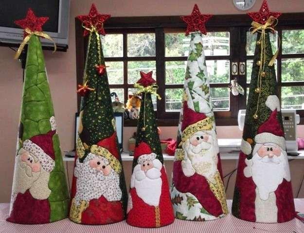 Árbol de Navidad: Fotos de diseños de patchwork - Árboles de Navidad de patchwork con las caras de Papá Noel