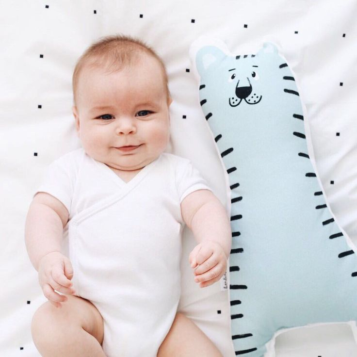 Baby duvet cover. Bed linen for kids. Little baby and a friend. #bandidekids #lascamasestanparadeshacerlas #cushion #babyroom
